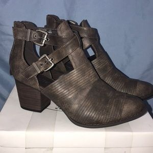 Shoes - Brown leather ankle booties BOUTIQUE by Corkys